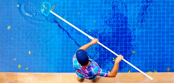 Weekly Pool Cleaning in Houston